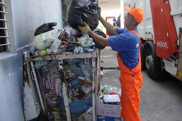 Śmieciowy problem. Kto po nowym roku będzie odbierał odpady od mieszkańców Świdnika?