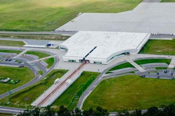 Lotnisko Lublin, czyli nowoczesność i dogodne połączenia lotnicze.